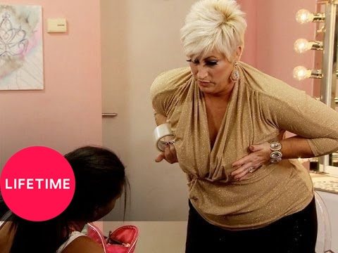 Kim of Queens: Swimsuit Smoke and Mirrors (S1, E11) | Lifetime