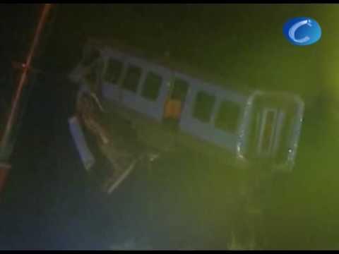 Un muerto al estrellarse un tren en Lezama (Vizcaya)