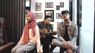 Video Blackpink - Whistle 휘파람  by Icazahra feat. Kraygee of Freaky Deaky & THDMN Live Acoustic Cover MP3, 3GP, MP4, WEBM, AVI, FLV Juni 2019