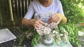 FLOWER ARRANGING DEMO IN 30 SECONDS!