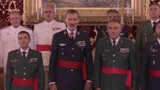S.M. el Rey recibe en audiencia a un grupo de generales de brigada y contralmirante