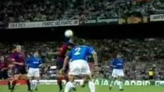 Rivaldos berühmter Fallrückzieher gegen Valencia