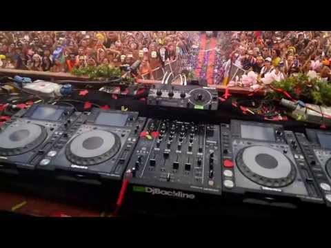 WATCH: Ever Wonder What It's Like To Be A World Famous DJ?  Check THIS Out!