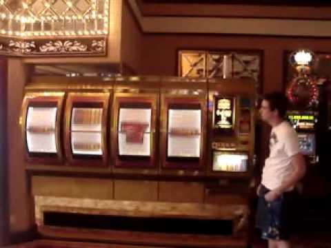Las Vegas – Giant Slot Machine (Big Bertha)