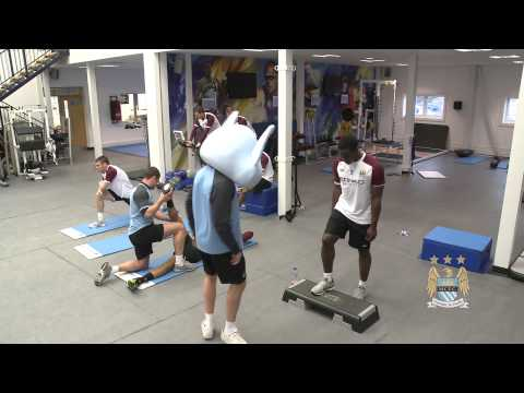 Manchester City Stars Do The Harlem Shake