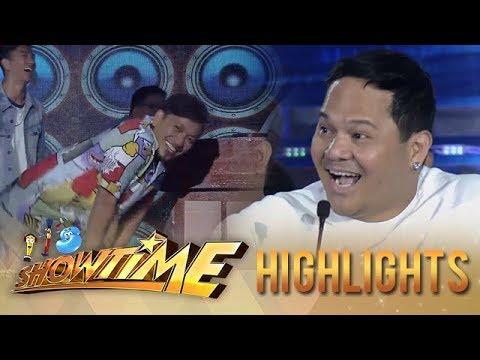 "It's Showtime PUROKatatawanan: Jhong dances ""Otso-otso"" after breaking Bayani's joke"