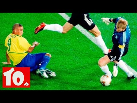 Top 10 Football Goalkeepers of all time (видео)