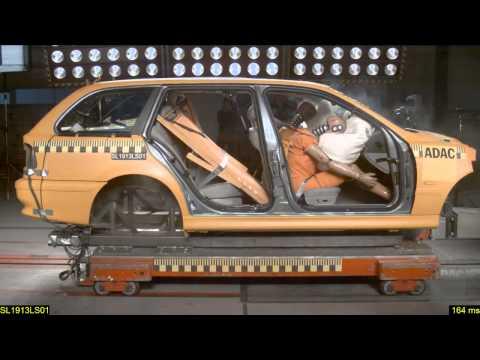 ADAC - Crash Test: holiday luggage can kill