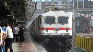 Sexy Wet WAP 7 departs with King of all Rajdhanis!!