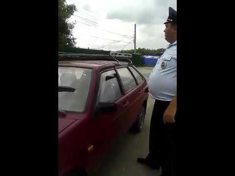 Торговец раками чуть не убил полицейского