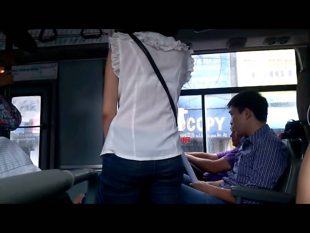 Cãi nhau để giành chỗ ngồi trên xe bus :(