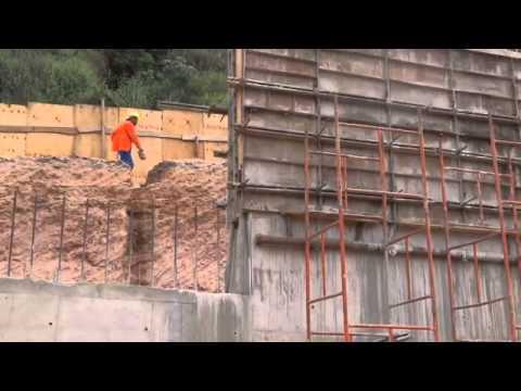 Construção de  Muro no Bairro Vila Casal