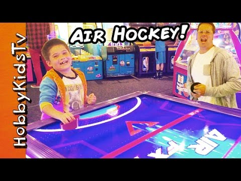 Air Hockey GAME! Competition Contest Challenge with HobbyPig