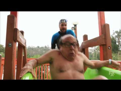It's Always Sunny in Philadelphia - Frank tries the Thunder Gun Express water slide