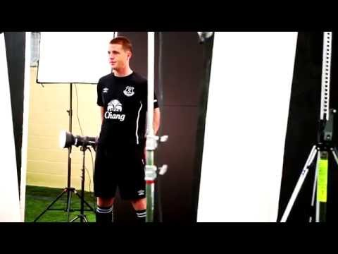Video: Behind the scenes at the photo shoot for Everton's new away kit
