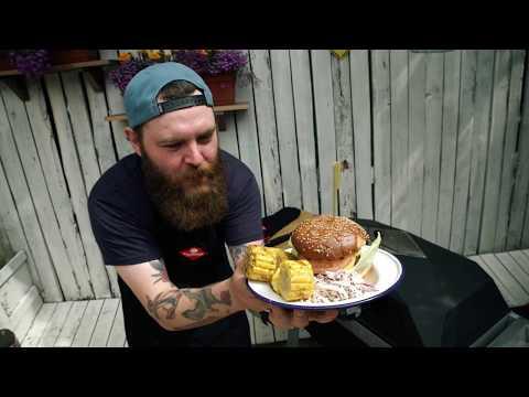 Бургер с ананасом и салатом коул слоу - DomaVideo.Ru