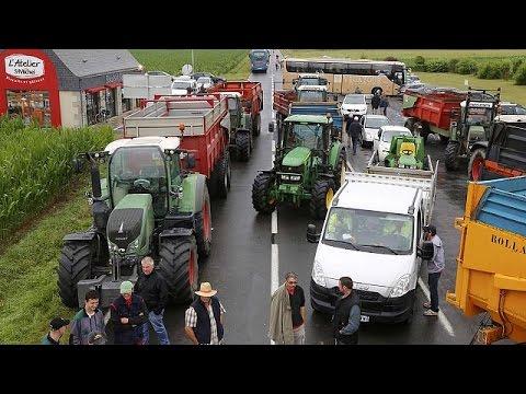 Φρανσουά Ολάντ: Έκτακτη βοήθεια για τους κτηνοτρόφους