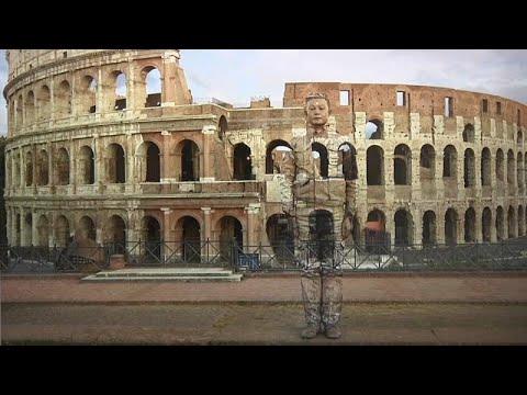 Ο «αόρατος καλλιτέχνης» σε Ρώμη και Μιλάνο