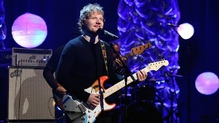 Ed Sheeran Performs 'Thinking Out Loud'