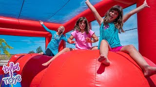 Video Elsa Surprises Kate and Lilly with a GIANT Inflatable Bounce House MP3, 3GP, MP4, WEBM, AVI, FLV Juli 2019