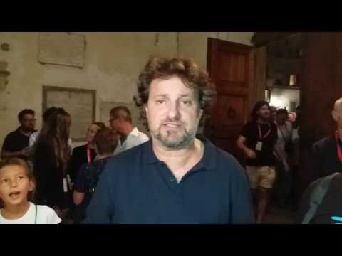 Saluto di Leonardo Pieraccioni a Nove da Firenze.