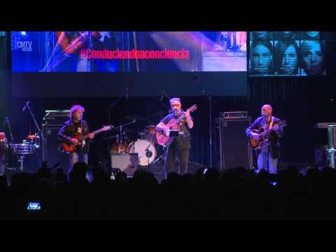 León Gieco video Algo de paz con Raúl Porchetto - vivo Conduciendo a Conciencia - 8 Octubre 2015