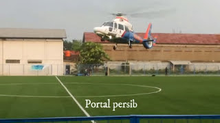 Video Kocak ,essien ngajak berantem ke  helikopter, yang mendarat di tengah lapang MP3, 3GP, MP4, WEBM, AVI, FLV September 2017