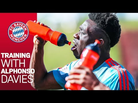 Download Alphonso Davies: New FC Bayern Youngster in Action!