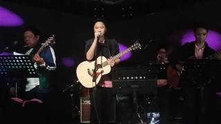 Video Versace On The Floor - Kaye Cal download in MP3, 3GP, MP4, WEBM, AVI, FLV February 2017