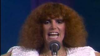 Valeria Lynch Que ganas de no verte nunca mas (Video)
