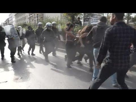 Δύο αστυνομικοί τραυματίες και τρεις προσαγωγές στα επεισόδια στην ΑΣΟΕΕ