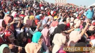 Video Bergek Sigli. Boh Hate Gadoeh   Korser Bergek di Stadion Kuta asan Sigli Sabtu 20 Februari 2016. MP3, 3GP, MP4, WEBM, AVI, FLV September 2018