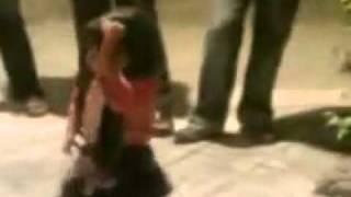 رقص زیبای _بابا کرم_ یک کودک.