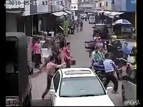 Hombre que golpea a ladrón tiene 100 años de perdón