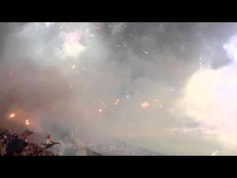 Recibimiento de la barra del Caracas fc. Copa libertadores - Los Demonios Rojos - Caracas