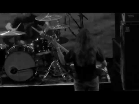 YOB doing what YOB does. Mike Scheidt at home @013. #Roadburn #kgvid [video]