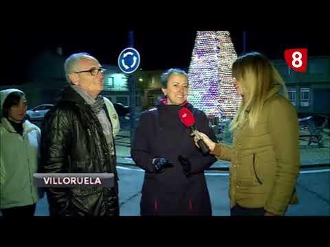 REPORTAJE   Un árbol de Navidad hecho de CD's en Villoruela