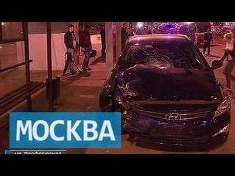 Пьяный водитель врезался в остановку на западе Москвы
