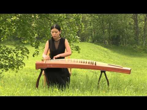 Serena Shan Lin plays guzheng in Slovenia
