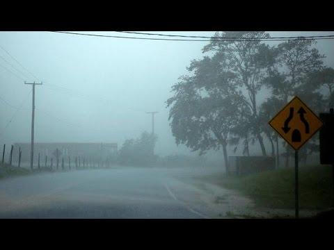 Την Μπελίζ πλησιάζει ο τυφώνας Ερλ