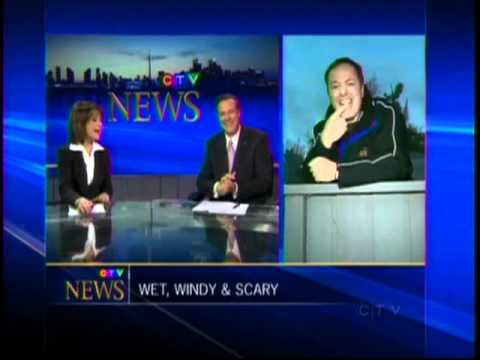 Live News - CTV Tom Brown Feeding pumpkins to bear blooper