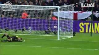 Branko Boskovic erzielt Eigentor gegen England