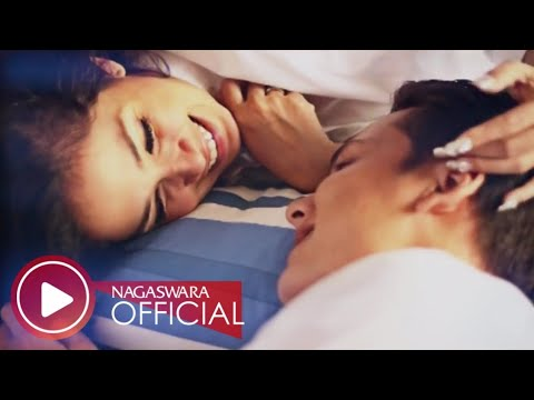 Ussy Feat Andhika - Tentang Cinta (HD)