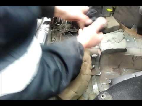 Прикордонники знайшли бурштин в автомобілі на