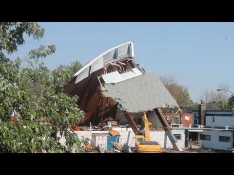 Demolition eglise a rue de l'eglise - Longueuil