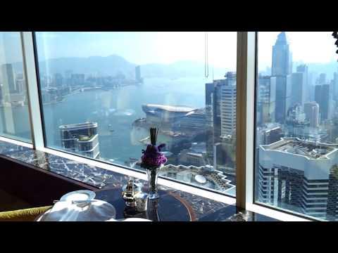 Breakfast with a view of Hong Kong at Island Shangri-La