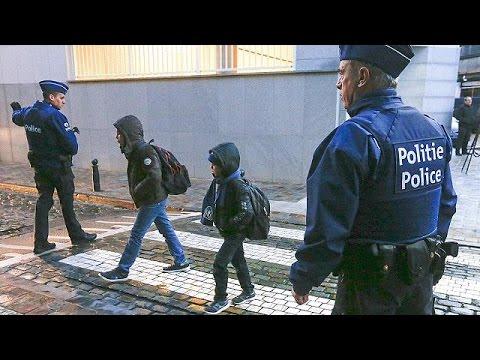Βρυξέλλες: Υπό δρακόντεια μέτρα ασφαλείας άνοιξαν τα σχολεία