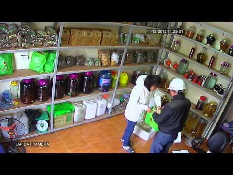 Hà Nội: Nữ nhân viên 'tố' bị thôi miên lừa tiền ngay tại cửa hàng - Ảnh 2