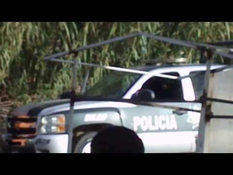 Policías de Silao Gto golpeando a un civil.