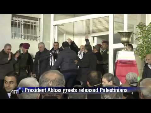 The Beast : Obama forces Israel to release 26 Palestinian Murderers for Peace (Dec 31, 2013)